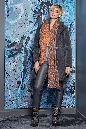 130W9_coat_023W9_scarf