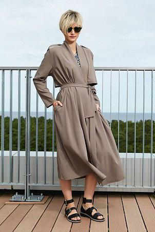 028S20_raincoat