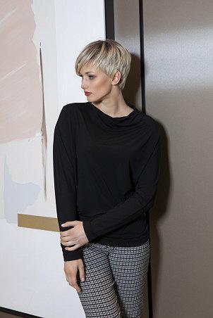 043F0_jumper_black_044F0_trousers