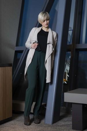 092F0_jacket_093F0_trousers_green_046F0_jumper_black