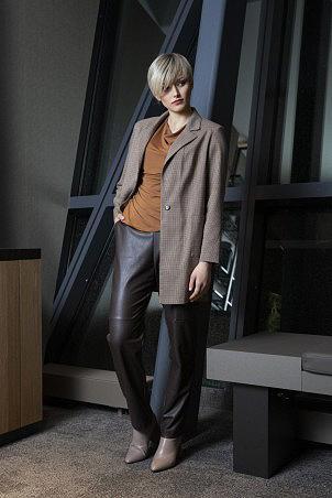 107F0_jacket_108F0_trousers_043F0_jumper_ochra