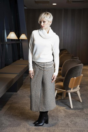 116F0_skirt_049_pullover_white_185F0_belt