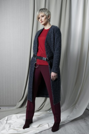 128F0_jacket_106F0_jumper_red_093F0_trousers_bordo