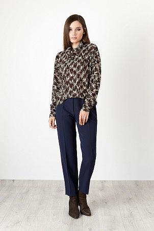 B20025_jumper_brown_B20002_trousers_blue