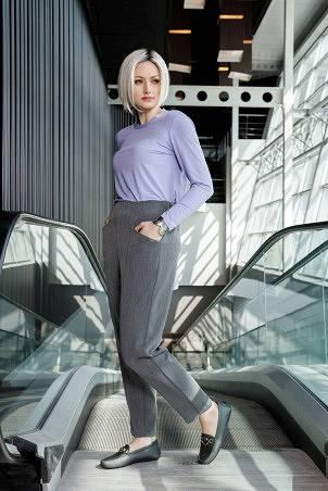 023F1_jumper_purple_rose_043F1_trousers_grey
