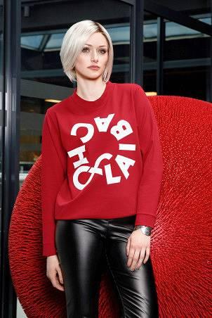 074F1_sweatshirt_red_005F1_trousers_black