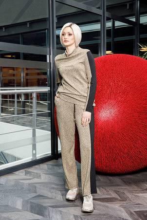 082F1_jumper_083F1_trousers