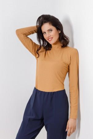 B21001_jumper_beige_PB2103_trousers_blue