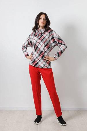 B21009_jumper_PB2103_trousers_red