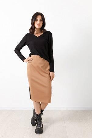 B21013_jumper_black_B21027_skirt_beige