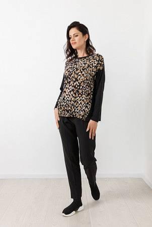 B21039_jumper_PB21003_trousers_black