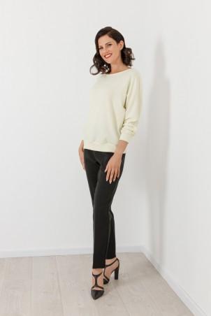 B21061_jumper_PB2103_trousers_black