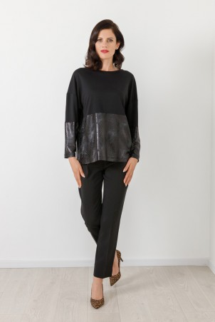 B21068_jumper_PB2103_trousers_black