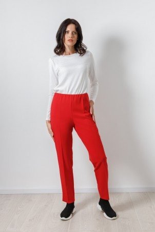 PB2103_trousers_red_B21002_jumper_white