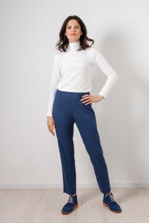 PB2106_trousers_B21001_jumper_white